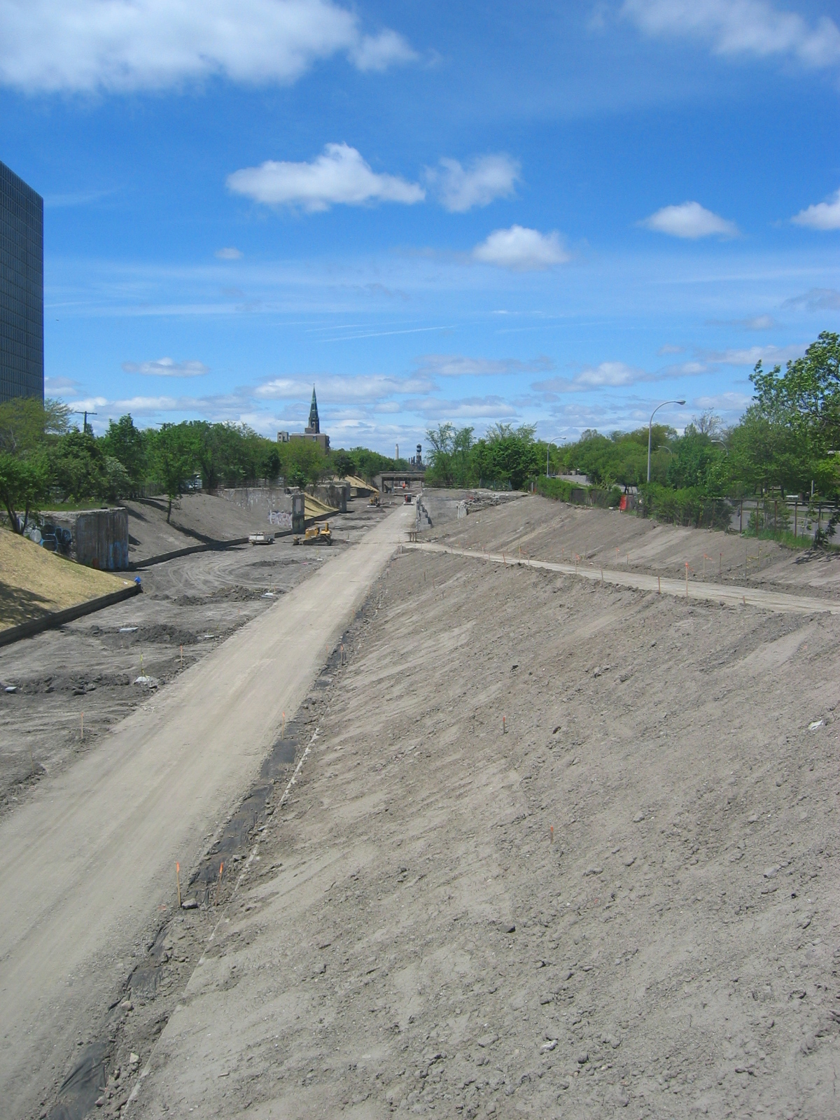 The Lafayette vehicle access ramp to the Cut